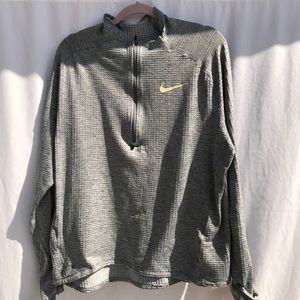 Nike Textured Half-Zip Pull-Over